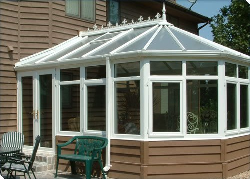 Betterliving Solarium with matching kneewalls