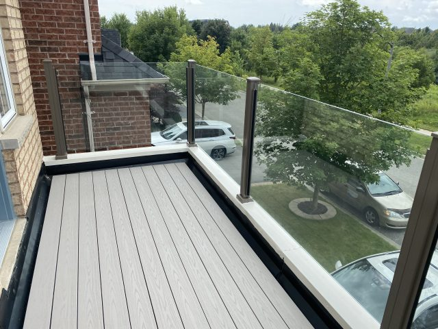 Frameless Glass Railing Balcony