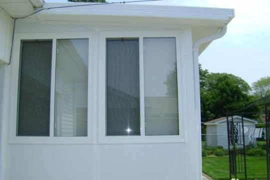 Grand Vista Insulated Studio Sunroom
