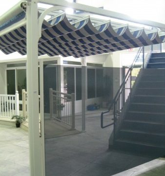 Retractable Shade Wall