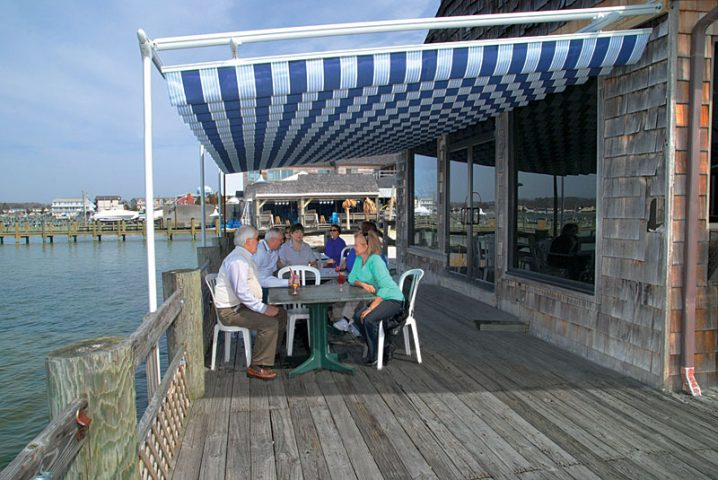 Retractable Awning for Restaurant, Bar, Cafe's and Their Patios
