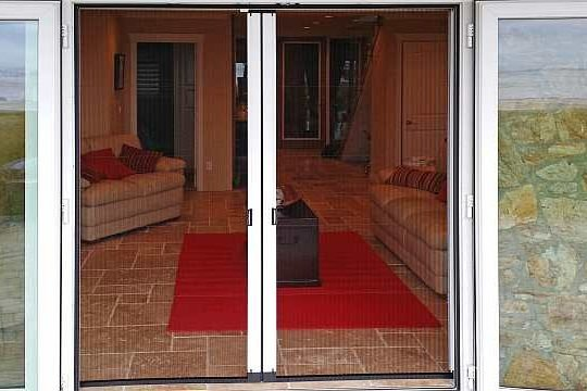Retractable Screen Doors Centre Close