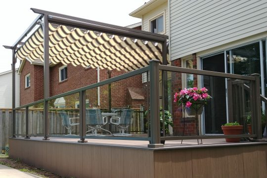 Retractable Canopy for Patio and Deck Railing